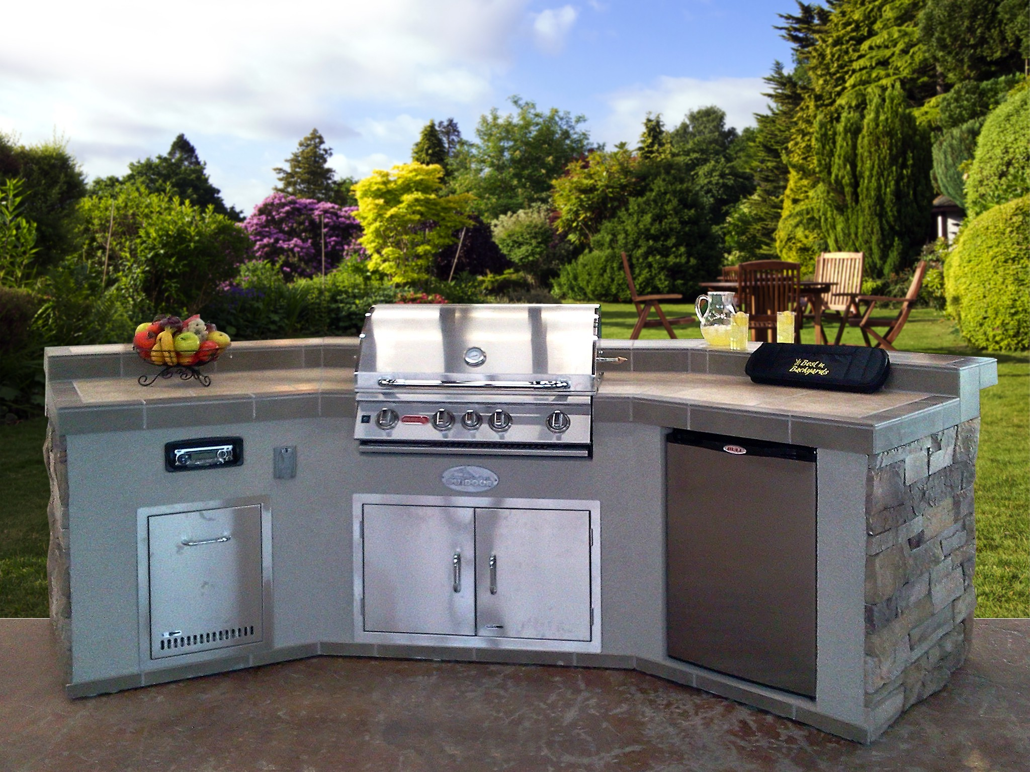 Prebuilt islands outdoor kitchens insideoutside spaces for Pre built outdoor kitchen islands